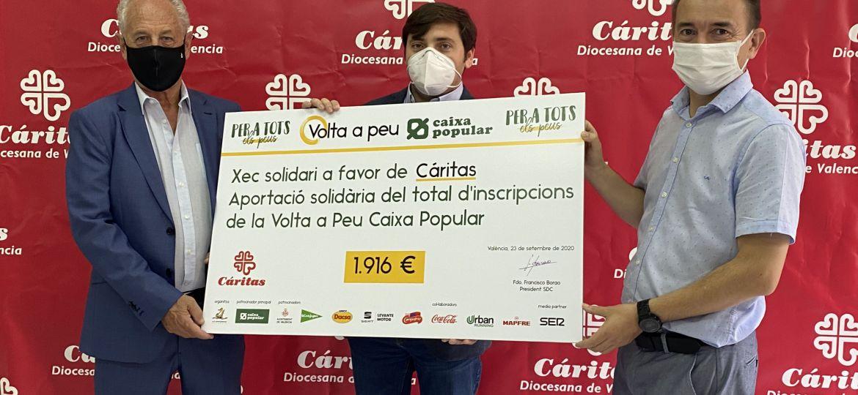 Paco-Borao-presidente-SD-Correcaminos-Ignacio-Grande-director-Caritas-Valencia-y-Paco-Alos-director-Responsabilidad-Social-Caixa-Popular-en-la-entrega-de-la-donacion